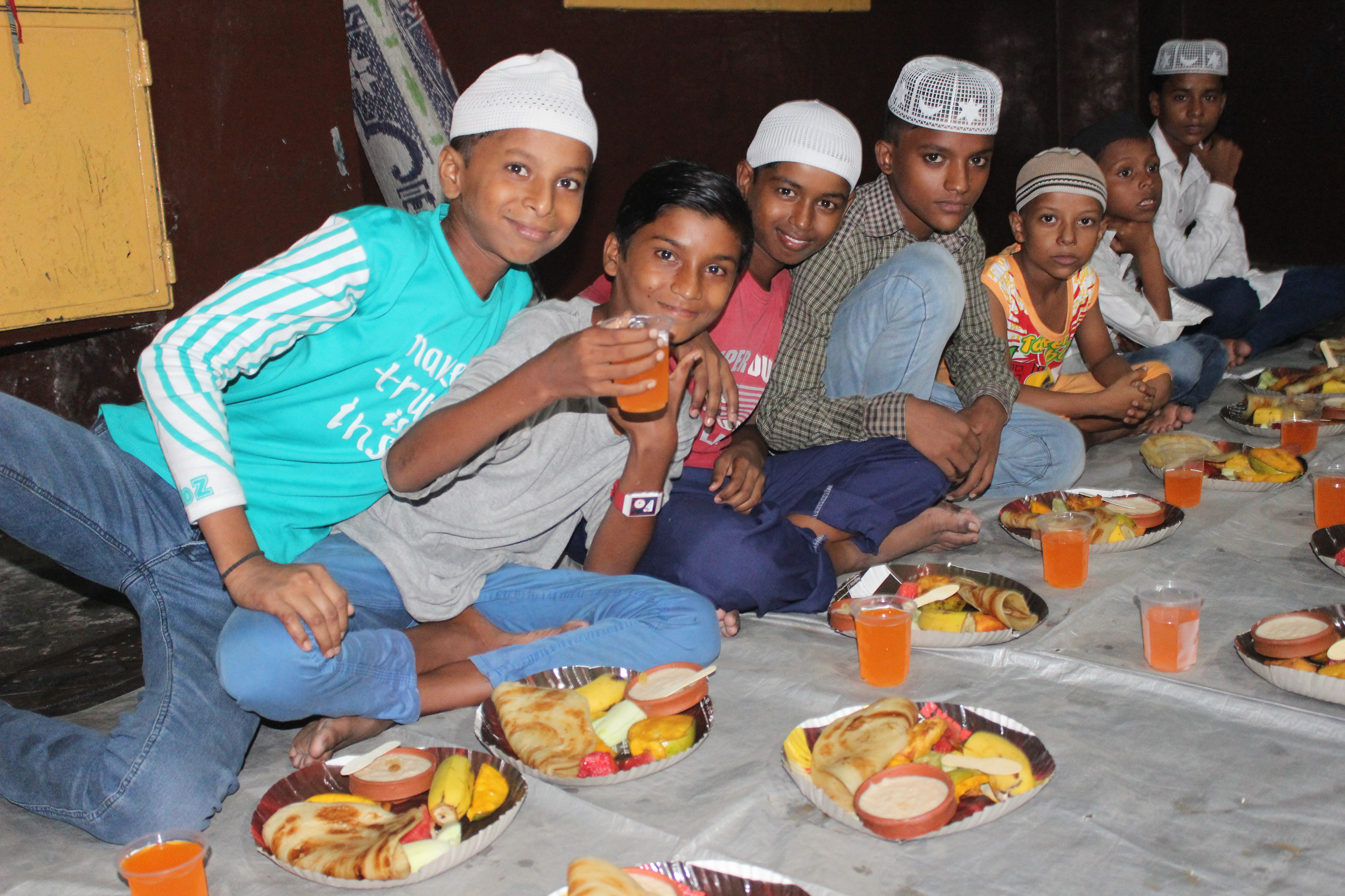 Generous Donors provide Iftars for Rag Picker Familes